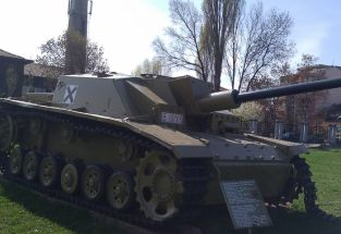 21 StuG III Or SO 75 Or T3 Sofia Museum