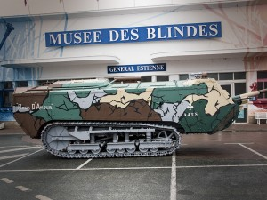 The Museum of the Armored in the program Vues sur Loire