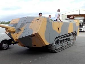 Der Panzer Saint Chamond rollt!