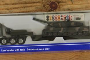 SIKU Tank and char