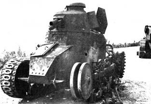 1 1 Renault NC Yougoslave Detruit Avril 1941