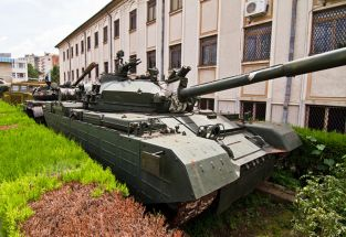 Char TR85M 1A Museum of Bucharest