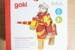 Artus GOKI articulated knight wood