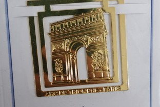 Arc de Triomphe page sign